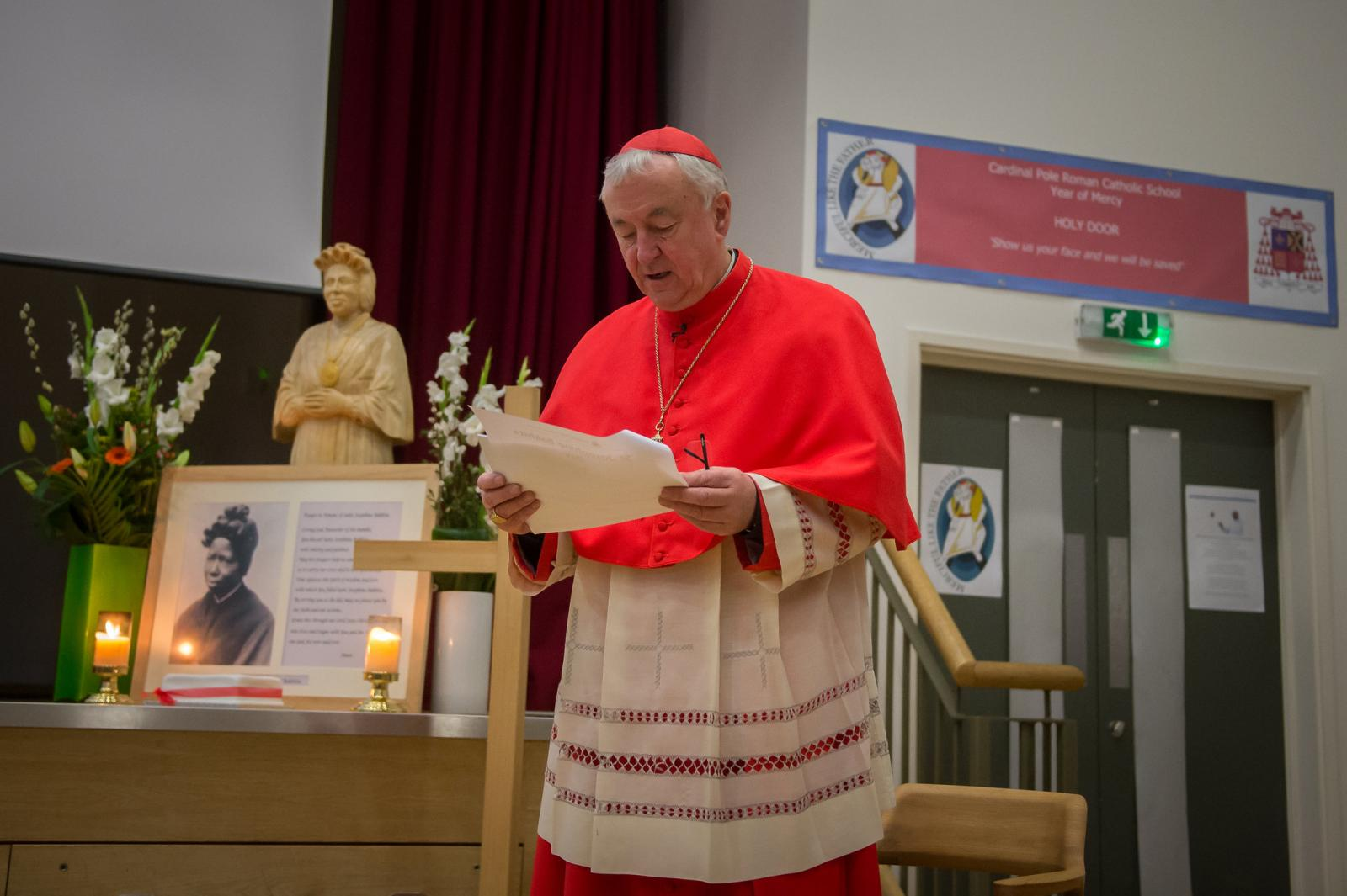 Cardinal welcomes investigation into garment-making industry - Diocese of Westminster