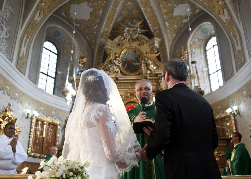 Pope's Prayer Intention for June: For young people who are preparing for marriage