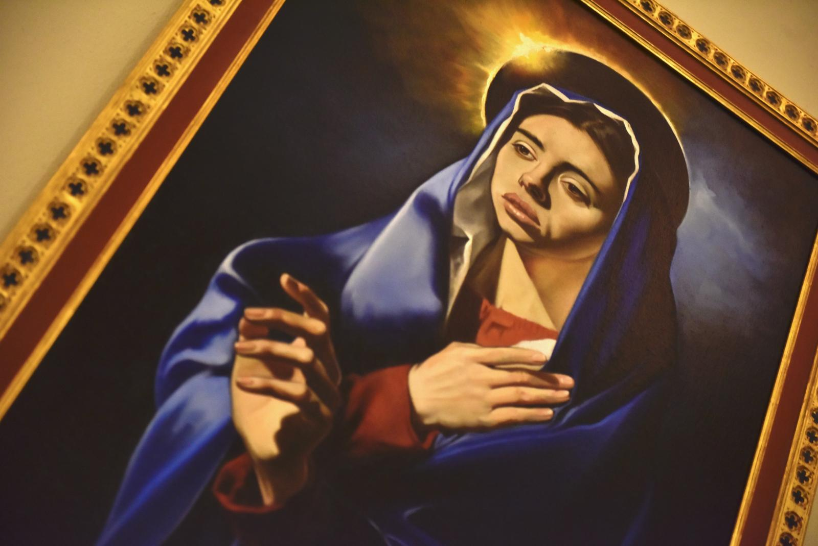Bishop Nicholas unveils Our Lady of Sorrows painting in Archway - Diocese of Westminster