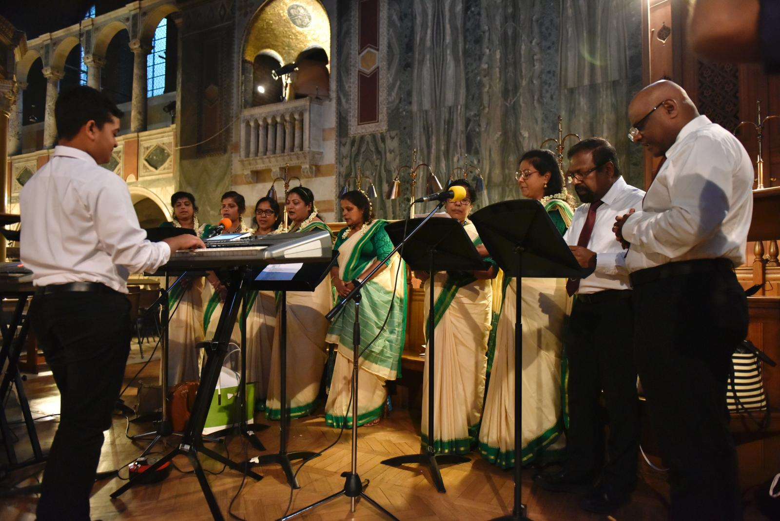 Bishop Paul celebrates International Mass on World Day of Migrants and Refugees - Diocese of Westminster