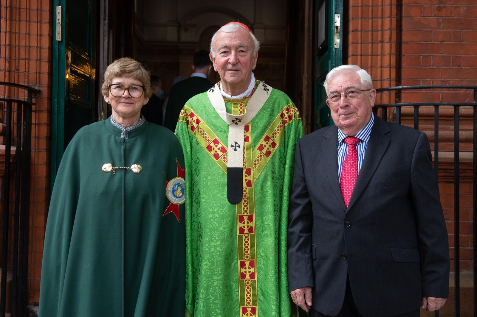 Papal honours for Chiswick parishioners - Diocese of Westminster
