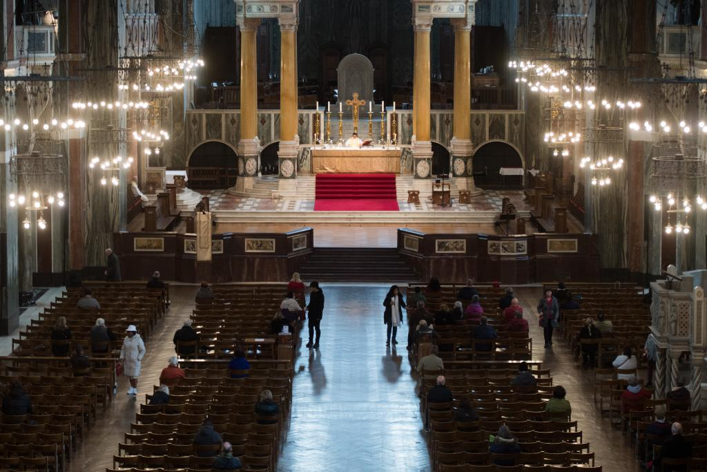 Masses to take place without congregations - Diocese of Westminster