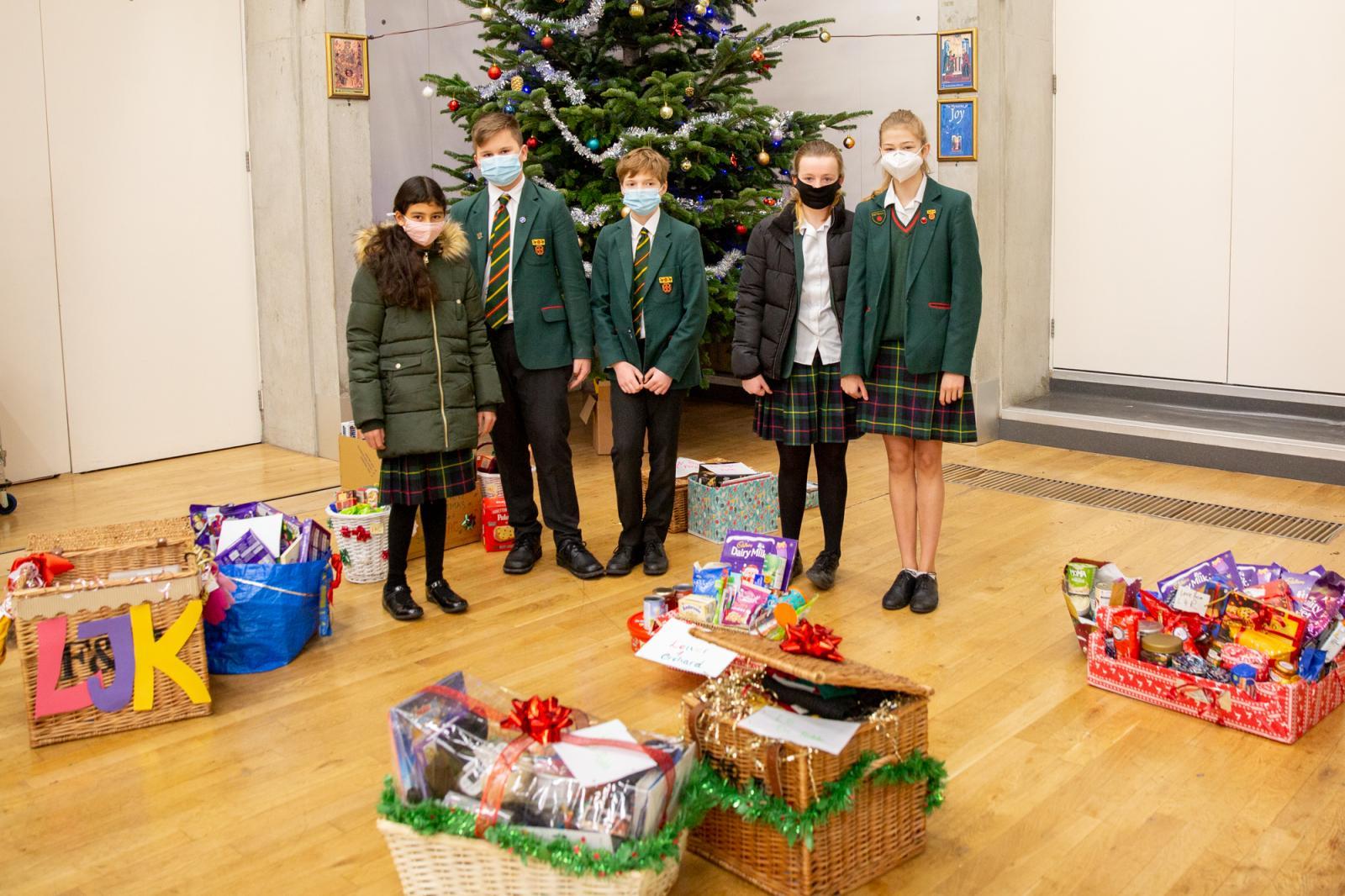 St Benedict's pupils make Christmas hampers for Ealing Foodbank - Diocese of Westminster